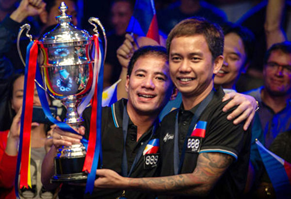 Dennis Orcollo (left) and Lee Vann Corteza (right) -   Champions 8th World Cup of Pool